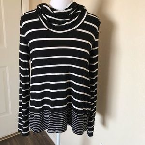 White House Black Market turtle neck shirt XS